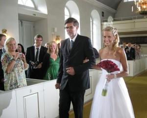 Mi hermano Lars llevando su hija al altar